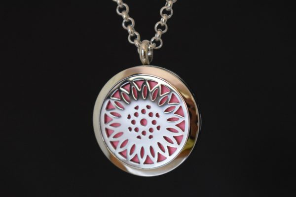 Pendant for essential oils with a sun flower